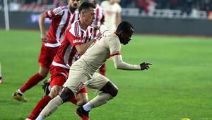 Son Dakika   Galatasarayda Jean Michael Seriden hakeme penaltı tepkisi