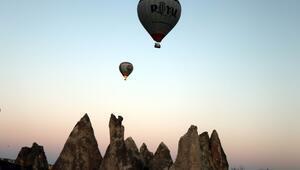 Kapadokyada balonların görsel şöleni