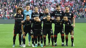 Yılport Samsunspor Türkiye rekoruna koşuyor