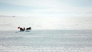 Çıldır Gölü turistlerin vazgeçilmez adresi oldu