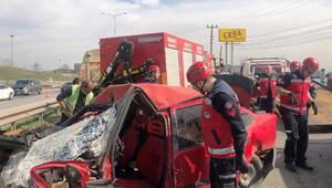 Önce temizlik aracına sonra otomobile çarptı: 3 yaralı