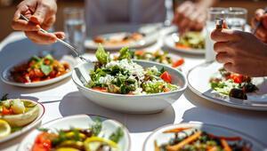 Dengeli ve sağlıklı beslenme enfeksiyon riskini azaltıyor