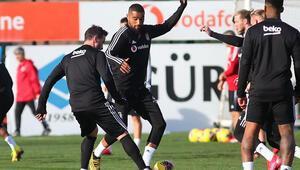 Beşiktaş, Galatasaray deplasmanına hazırlanıyor