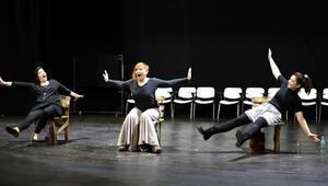 İstanbuldan daha güzel kadınlar şimdi Şehir Tiyatroları sahnesinde