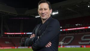 Son Dakika   Fenerbahçenin gündemindeki Roger Schmidt imzayı attı Yeni takımı PSV...