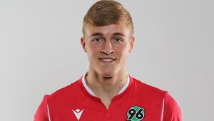 Son Dakika | Corona virüse yakalanan ilk futbolcu Hannover 96 forması giyen Timo Hübers oldu