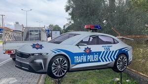 Türkiyenin Otomobili maket trafik polis aracı oldu