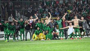 Bursaspordan önemli 3 puan Rakiplerin kaybettiği haftada...