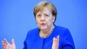 Merkelden Kovid-19a karşı mücadele çağrısı