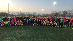 Kanser hastası antrenör için, futbol camiası birlik oldu