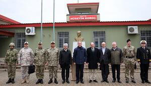 Akardan İngiltere Savunma Bakanı Wallace ile sınır hattına ziyaret