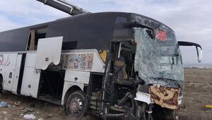 Yolcu otobüsü kazasında çarpıcı detay Polis yolcuları indirdi ama...