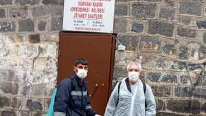 Diyarbakırdaki ibadethaneler dezenfekte edildi