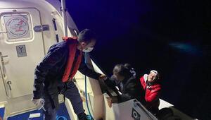 Yunan askerlerinin geri ittiği göçmenleri, Muğlada Sahil Güvenlik ekibi kurtardı