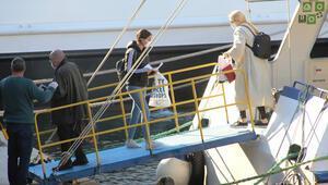 Kos adasında mahsur kalan Türkler Bodrum'a getirildi