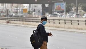 Suudi Arabistanda kamu çalışanları Corona Virüsü nedeniyle 16 gün işe gitmeyecek