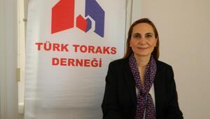 Türk Toraks Derneği uyardı: Koronavirüs sigara içenleri olumsuz etkiliyor