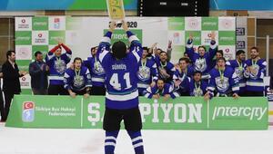Buz hokeyinde şampiyon Buz Beykoz
