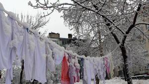 Baharı bekleyen Doğu, mart karıyla beyaza büründü