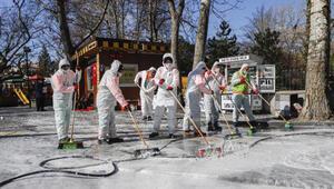 Kuğulu Parkta koronavirüs temizliği