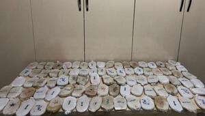Hatayda 450 uyuşturucu hap ile 18 kilo 700 gram esrar ele geçirildi