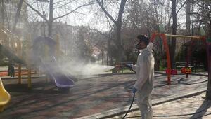Parklar da dezenfekte edildi