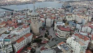 İstanbulda Corona Virüs etkisi... Meydanlar boş kaldı