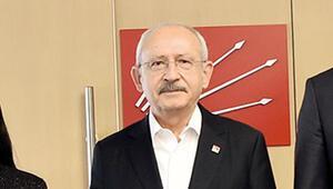 CHP Dünya Sağlık Örgütü heyetini kolonya ile karşıladı