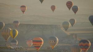 Kapadokyada sıcak hava balonu turları ertelendi
