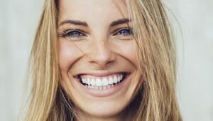 Makyaj Yapmadan Parlayan Bir Cilde Sahip Olmanın 10 Yolu