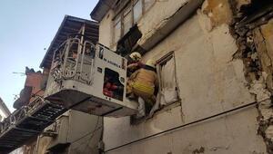 Fatihte 2 katlı binada kısmi çökme