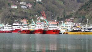 Karadenizde yurt dışından dönen balıkçılar karantinada