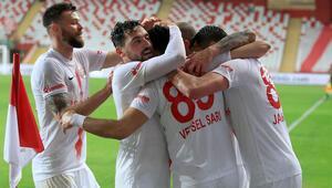 Antalyasporlu futbolculardan evde kal çağrısı