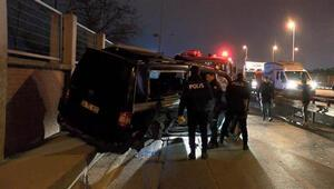Avcılar'da otomobil ile minibüs çarpıştı: 2'si ağır, 4 yaralı