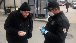 İstanbulda yaşlılar yasağa uymadı Kimlikte 74 yaşında çıktı, O kadar büyük değilim dedi