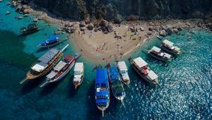 Antalyada karada ve denizde tüm turistik turlar durduruldu