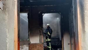 Keşanda tek katlı ev yandı