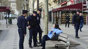 Türk gezgin karantinadan bildiriyor İşte Fransa'da son durumlar…