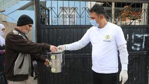 Yüreğir Belediyesi, 65 yaş ve üstü vatandaşlara sıcak yemek uygulaması başlattı