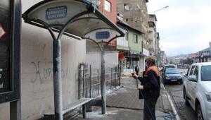 Oltu Belediyesi, ilçe merkezini dezenfekte ediyor