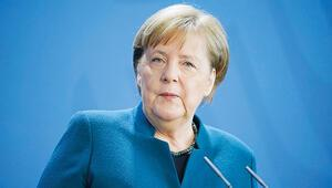 Merkel'in ilk testi negatif