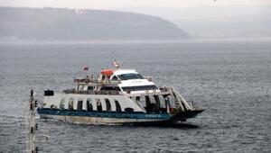 Gökçeada feribot seferleri fırtına nedeniyle iptal edildi