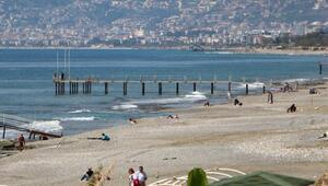 Alanyada sahiller boş kalmadı