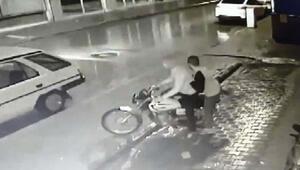 Motosiklet hırsızı, güvenlik kamerası görüntülerinden yakalandı
