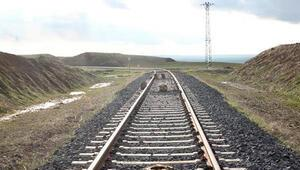 Türkiyenin dört bir yanına demiryolu ağı örülüyor