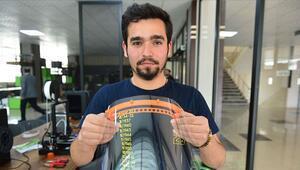 Koronavirüse karşı 3D yazıcılarla siperlik üretimi başladı
