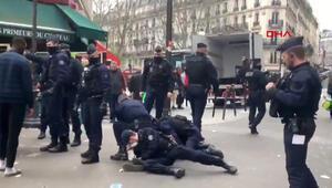 Fransada sokağa çıkma yasağına uymayanlara sert müdahale