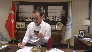 Silivri Belediye Başkanı Yılmaz, 65 yaş ve üstü vatandaşları telefonla aradı