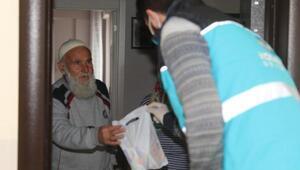 Kocasinan Belediyesinden sokağa çıkma yasağı bulunanlara yardım