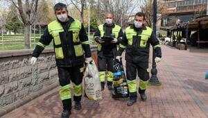 Koronavirüs günlerinde sokak hayvanlarına mama desteği